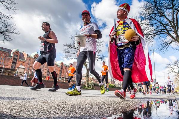 Haspa Marathon Hamburg 2016, Speicherstadt, kurios,  *** Local Caption *** © hochzwei / angerer