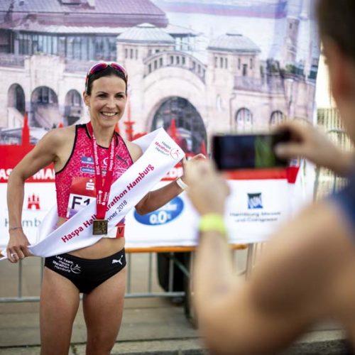 Sabrina Mockenhaupt beim 33. Haspa Marathon Hamburg 2018.